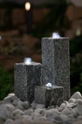 Gartenbrunnen-Set Neptun bei Dämmerung